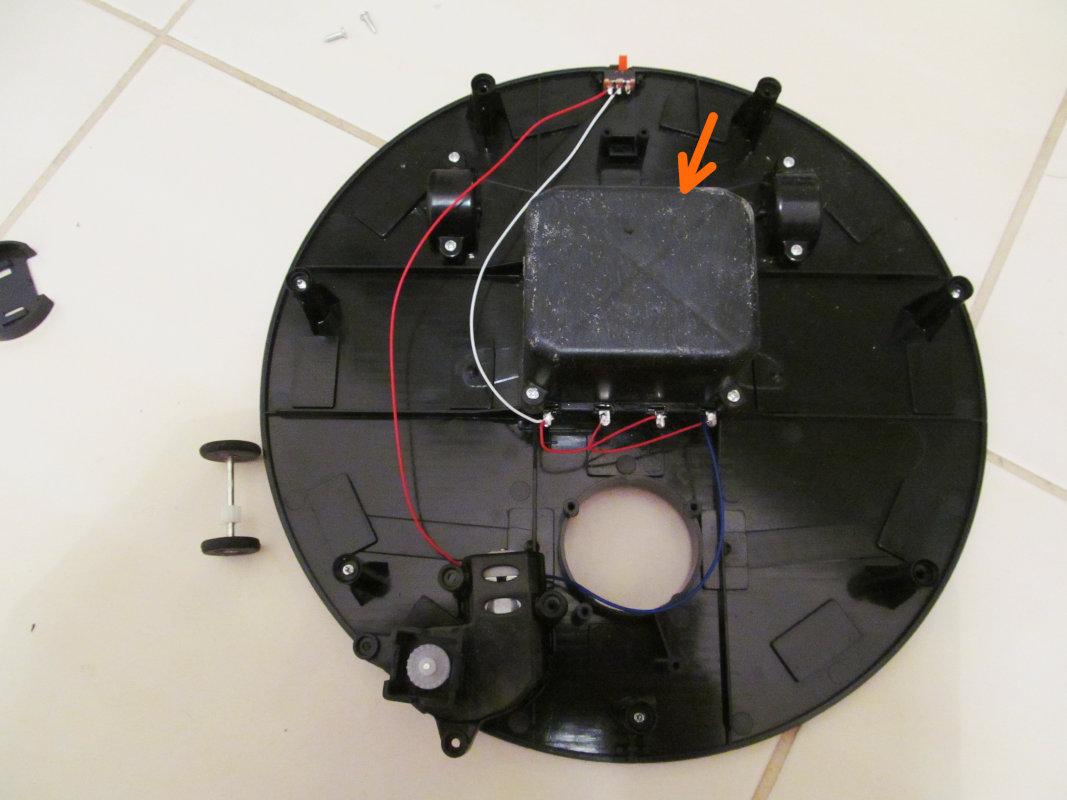 Robot odkurzacz - mechanika i elektronika